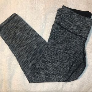 Victorias Secret Sport VSX Knockout Capri Leggings